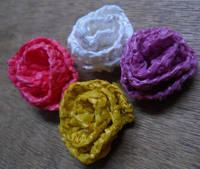 TwistedKnitters_Crochet_PlasticFlowers