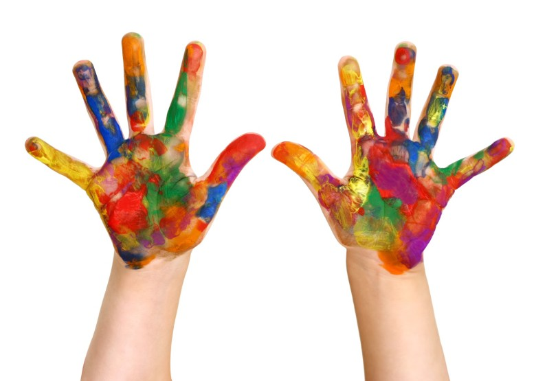 kids_paint_hands[2]